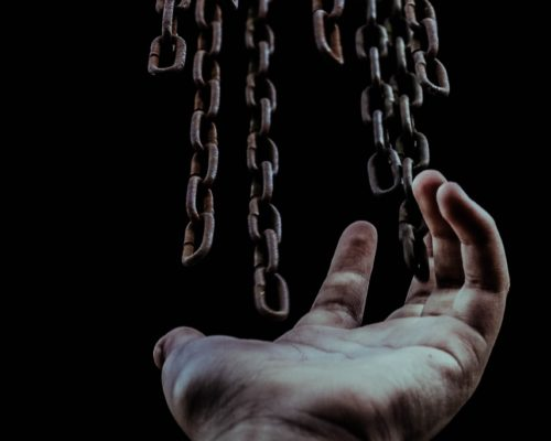 如何解開困住自己的情緒鎖鏈