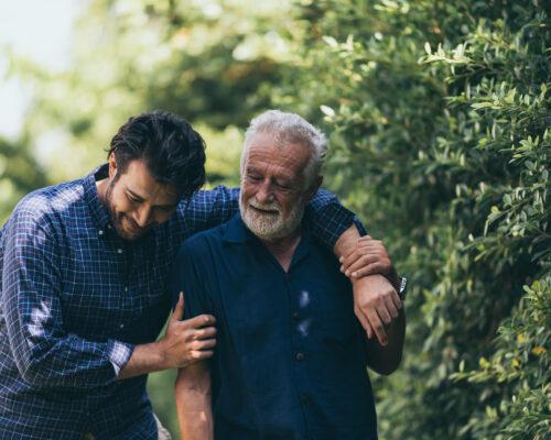 為人子女長到五十歲如何面對他的父母?②-成熟的老年人與夾心餅乾